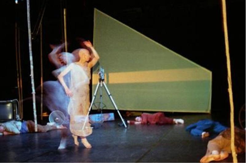 Il corpo nel mediterraneo (2003)